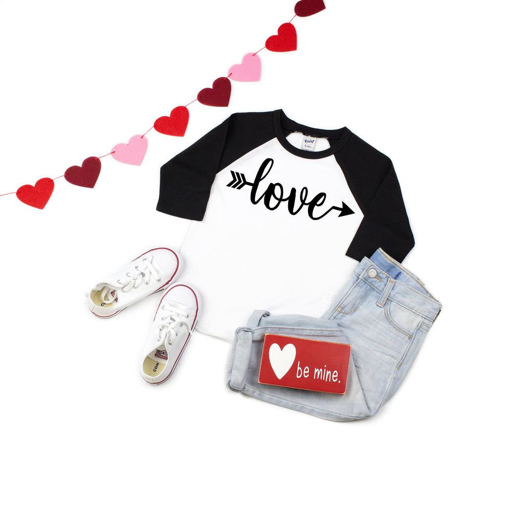 Cute V-day outfit, Children's Valentines day shirt, Xoxo top, Kids baseball shirt, Valentines day outfit, Children's Holiday top, love shirt