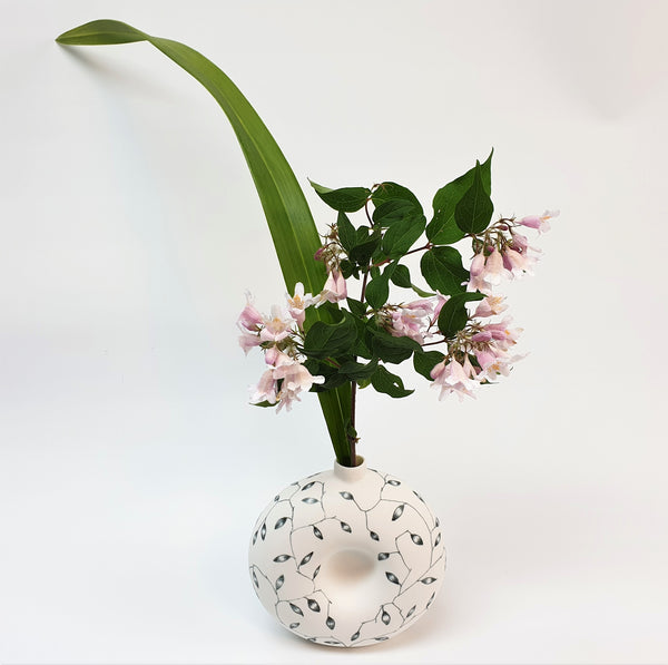 Loop Vase - Looseleaf