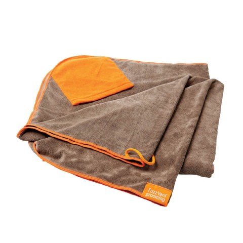 FuzzYard Microfibre Towel with Pockets