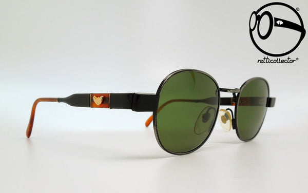 pop84 766 a 80s Unworn vintage unique shades, aviable in our shop