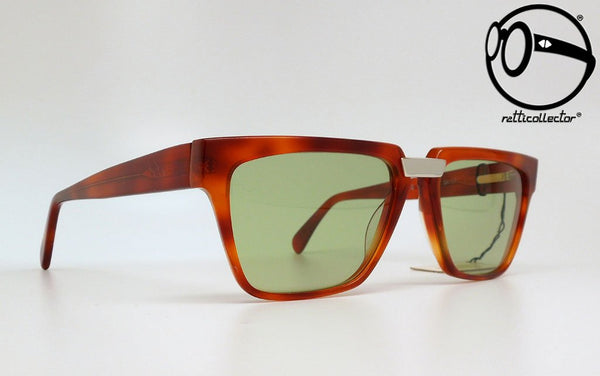 gianni versace mod v 70 col 749 80s Unworn vintage unique shades, aviable in our shop