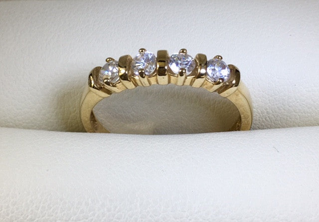 9CT YELLOW GOLD 4 X CUBIC ZIRCONIA BAR SET RING
