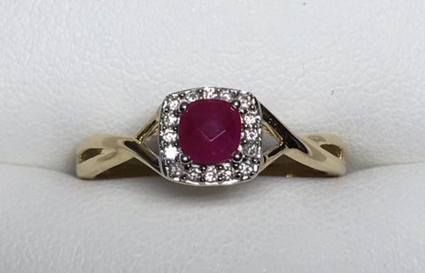 10CT YELLOW GOLD T.D.W 0.40CT DIAMOND AND RUBY TWISTED BAND RING
