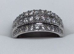 10Ct White Gold T.D.W 1.00Ct 3 Row Channel And Claw Set Diamond Ring