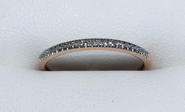 10CT ROSE GOLD T.D.W 0.10CT THIN STRAIGHT ROW DIAMOND BAND