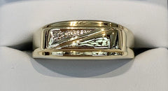 9ct Yellow Gold Gents Diamond Signet Ring - size Y - R2353