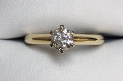 18Ct Yellow Gold Solitaire Claw Set Diamond Engagement Ring Tdw 0.40Ct