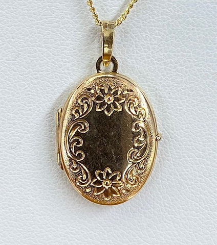 9ct Yellow Gold Fancy Engraved Oval Locket