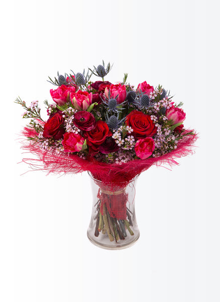 A luxurious red bouquet.