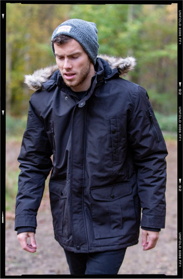 Denali Fishtail Parka // Black Jacket