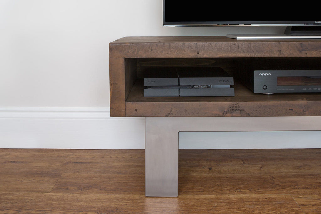 Classic 136.5cm TV Stand Detail