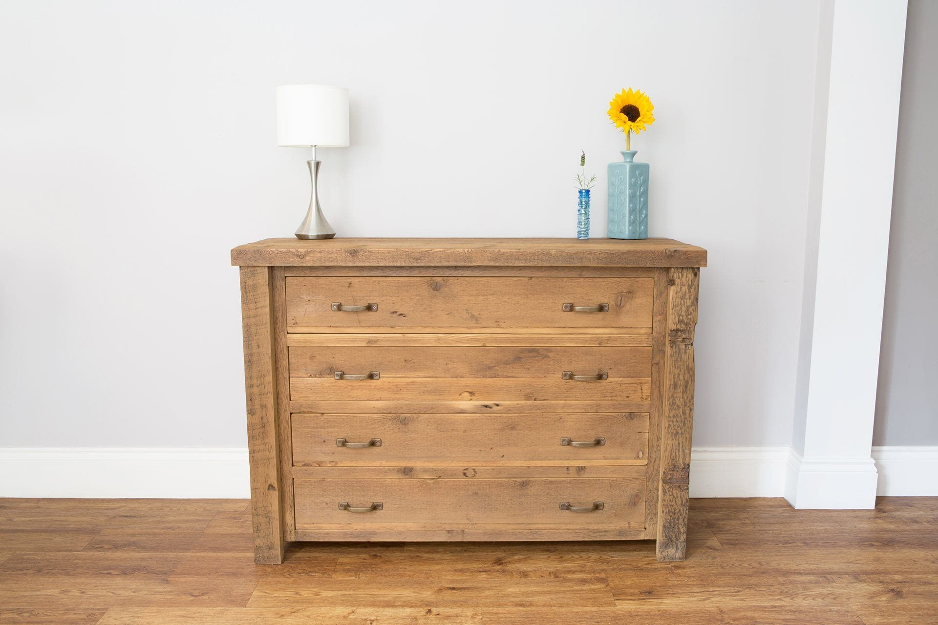 Warm 122cm Chest With 4 Drawers & Antique Handles