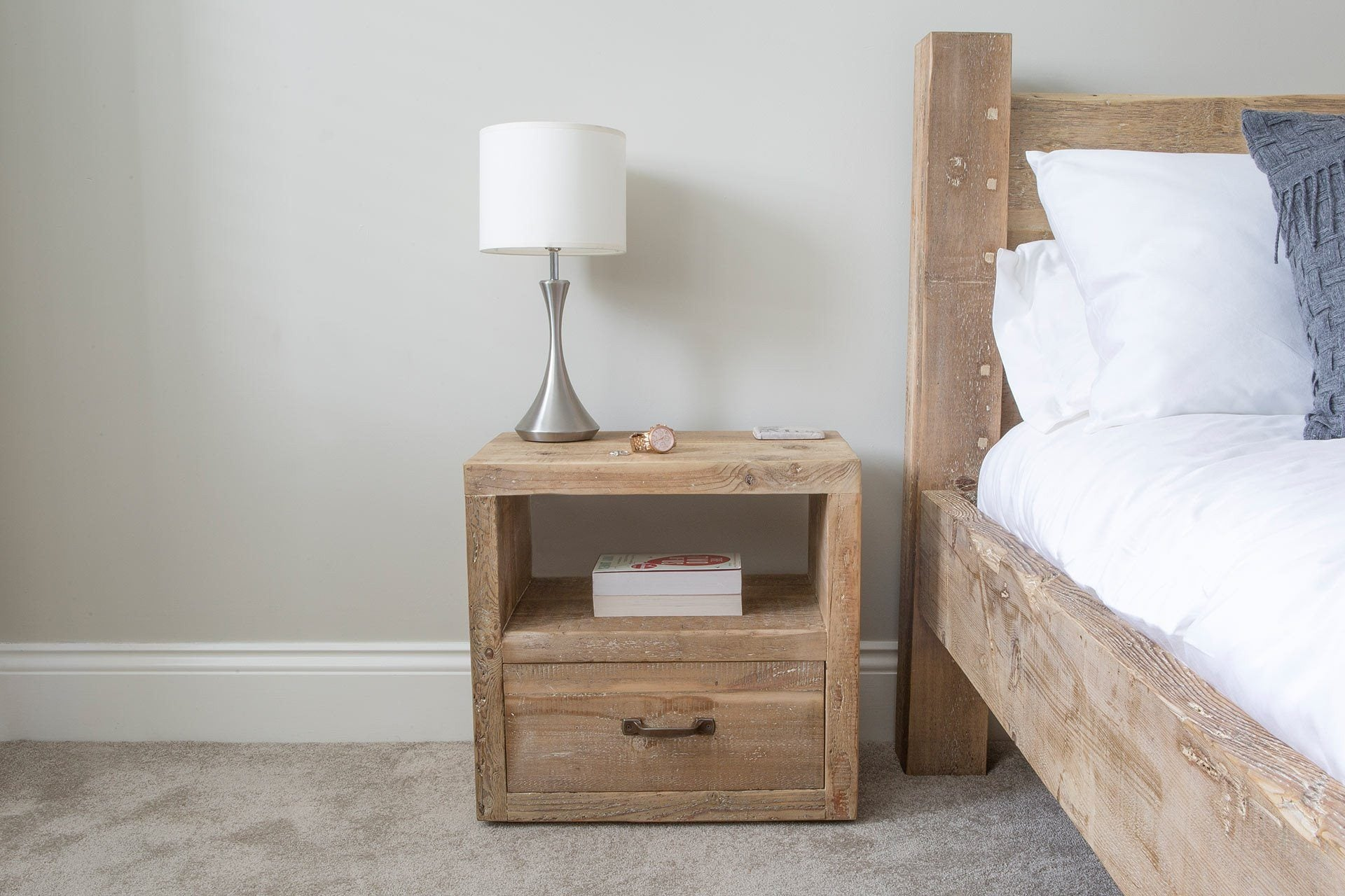 Natural 1 Drawer Bedside Table With Antique Handle