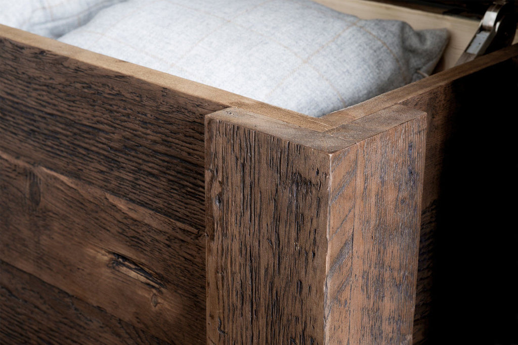 Classic Blanket Box Detail