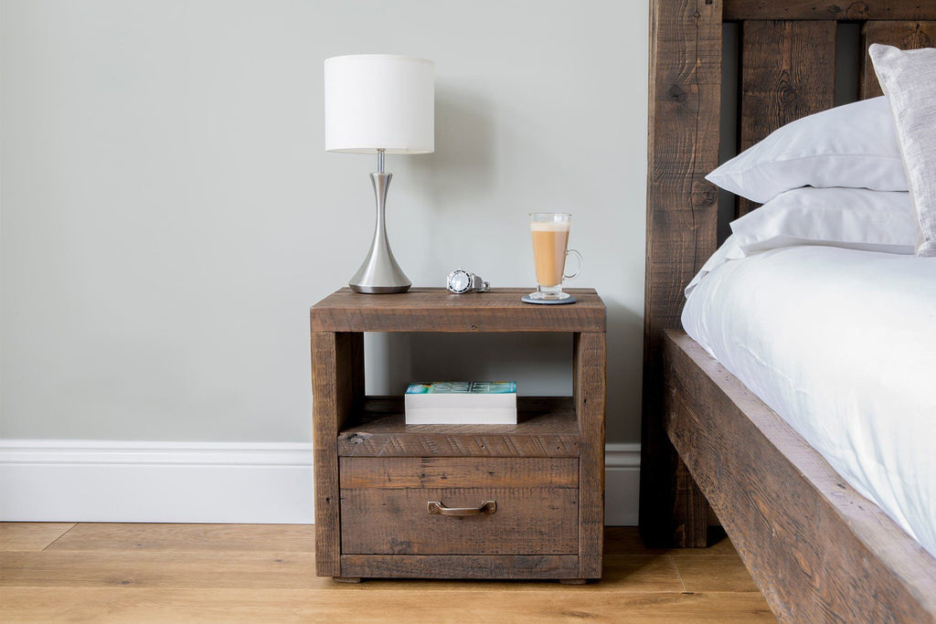 Classic 1 Drawer Bedside Table With Antique Handle
