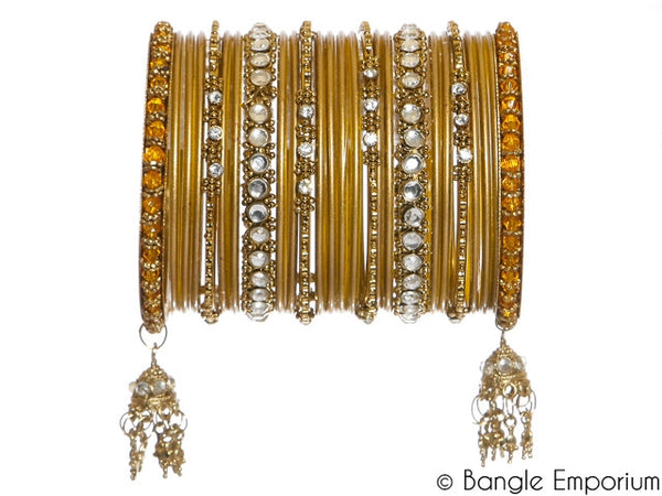 Kundan: Gold Bangles for Special Occasions Size (2.4 / 2.6)