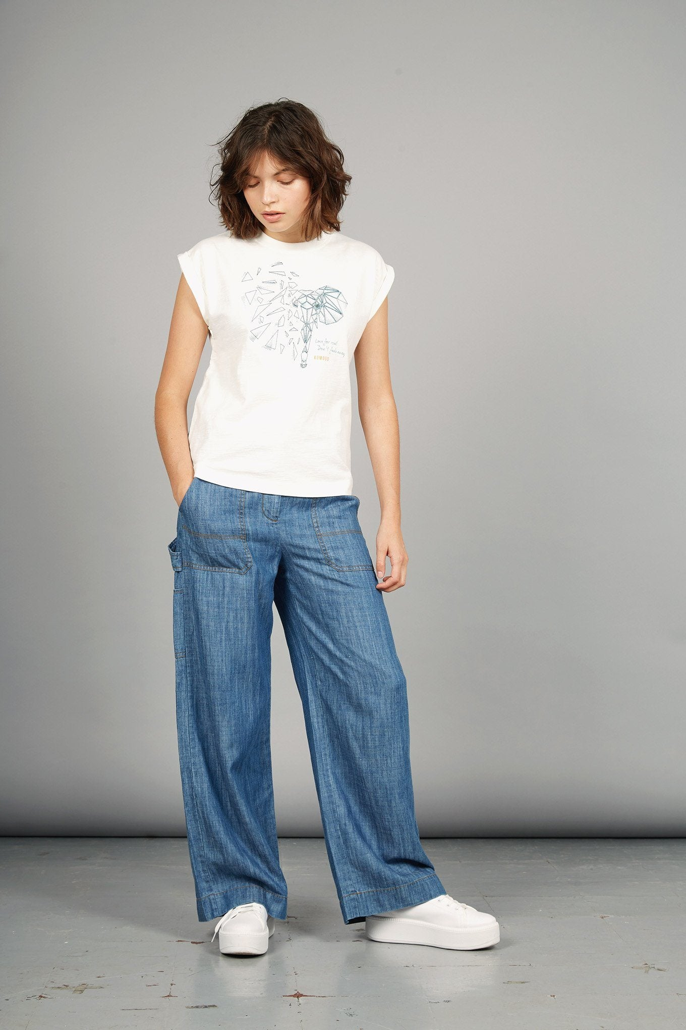 MANTRA ELEPHANT Organic Cotton Tee - Komodo Fashion