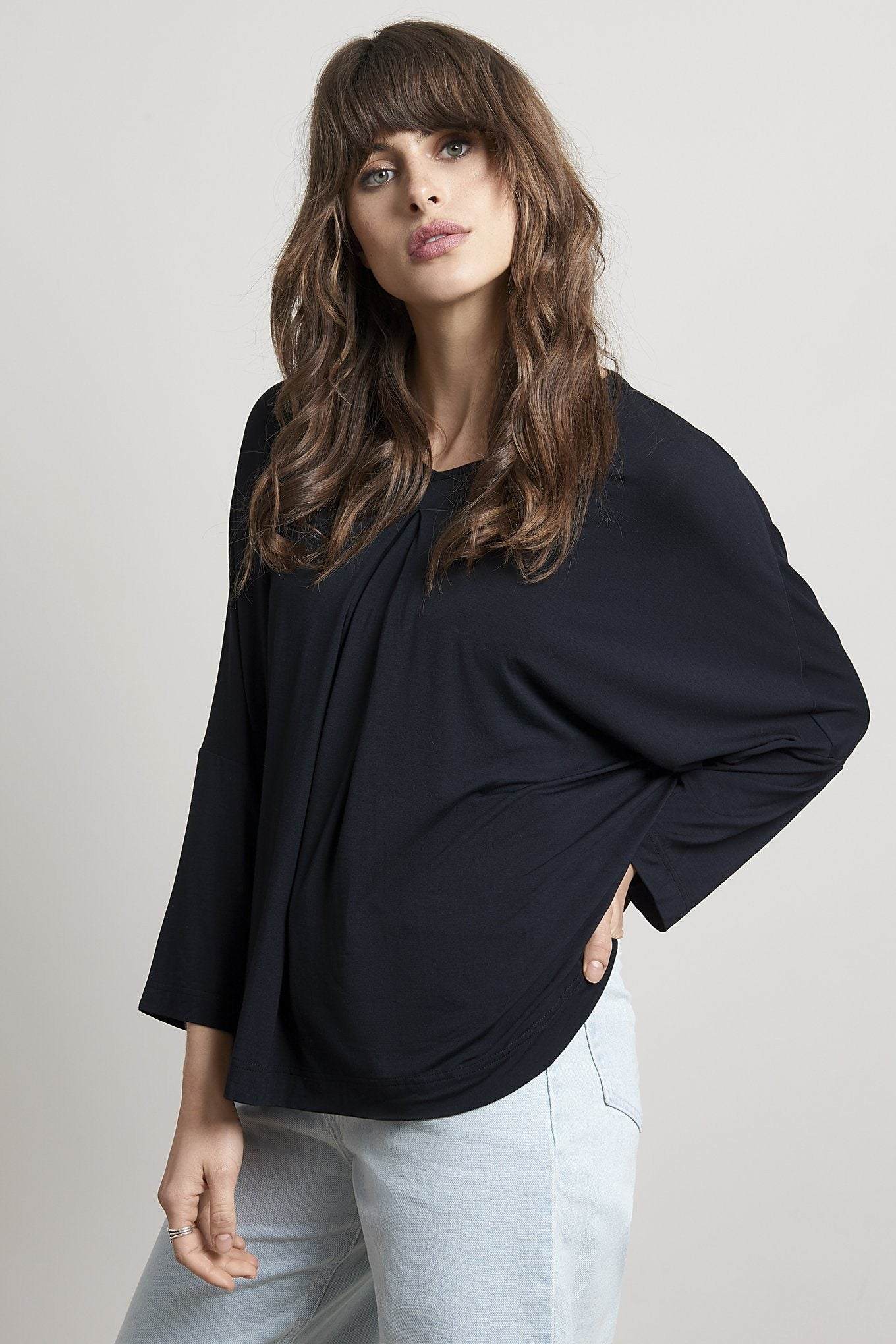 Top - OCEAN Bamboo Pleat Top Black