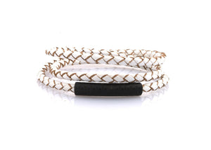 bracelet-woman-minerva-Neptn-FOL-SCHWARZ-4-white-triple-leather.jpg