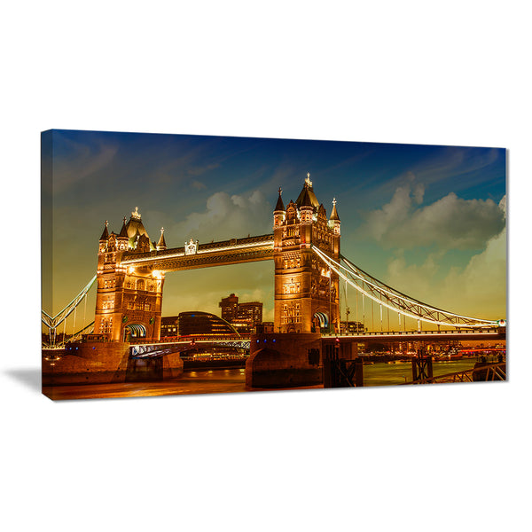 majesty of tower bridge cityscape photography canvas print PT7571