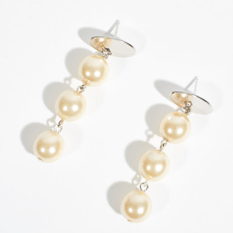 Dangly Pearls Earrings