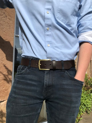 Mans brown belt
