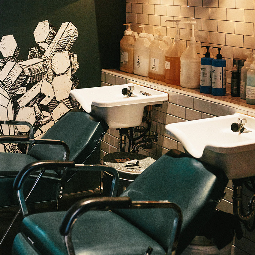 Raven barbershop in seattle wa 98101 citysearch for Acme salon san francisco