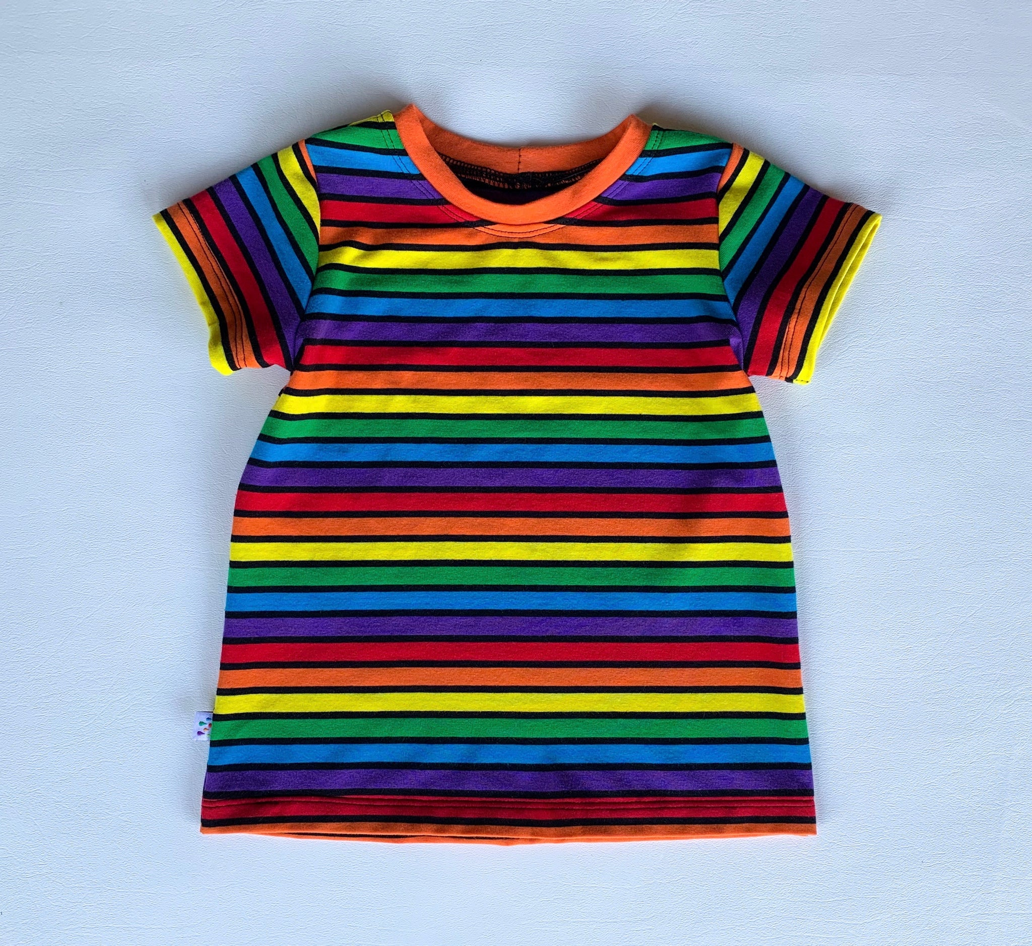 Size 2T Rainbow Rainbow Noir Ringer Tee with short sleeves