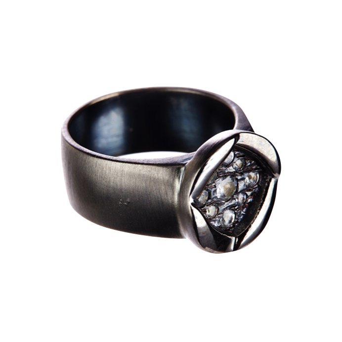18k white gold plated ring with black rhodium