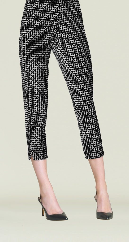 Chain Print Pull On Capri - Black/Ivory