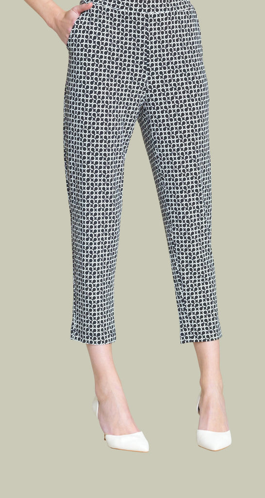 Chain Print Jogger Pocket Capri - Black-Ivory