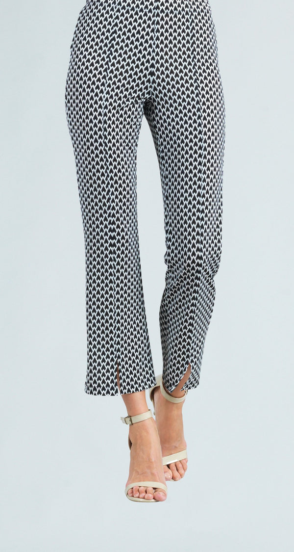 Modern Heart Print Center Seam Kick Front Ankle Pant