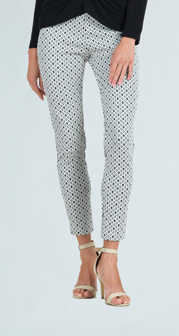 Ponte Textured Diamond Print Skinny Ankle Pant
