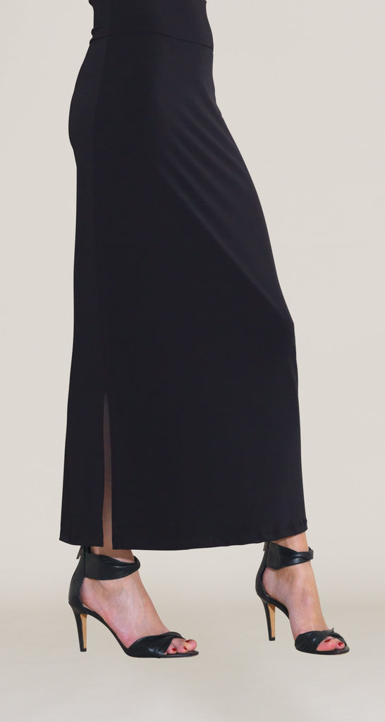 Solid Side Vents Maxi Skirt - Black