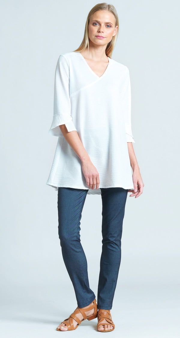 Textured Solid Knit V-Neck Tulip Sleeve Tunic