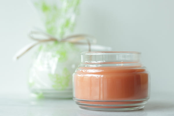 Comfort & Light Candle Giveaway: Grapefruit & Daffodils