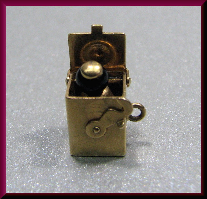 Vintage 14K Yellow Gold Movable Jack In the Box Charm
