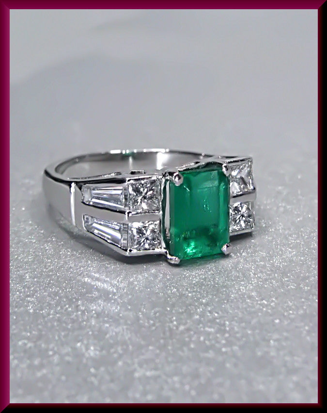 Vintage  Platinum Emerald and Diamond Baguette Cocktail Statement Ring