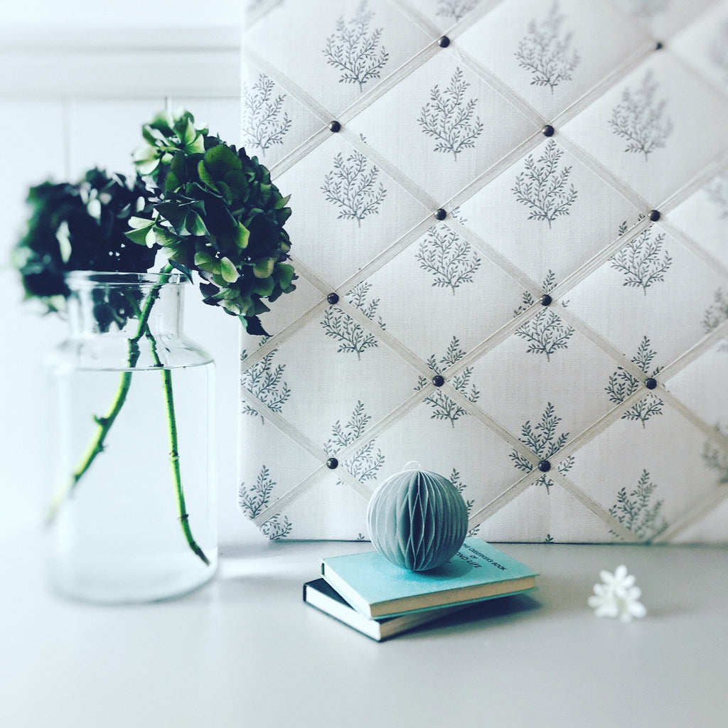 Peony & Sage French Memoboard in Olivia