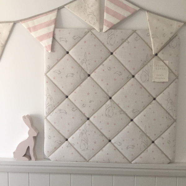 "French Memoboard in Peony and Sage ""Rabbit All Star"""