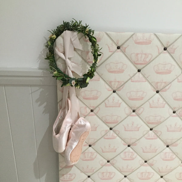 "Peony and Sage ""Crowns"" French Memoboard"