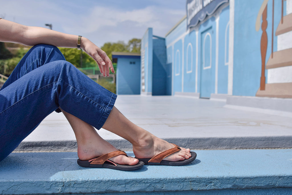 Hurt Feet From Standing Eight Hours A Day Try These Tips Wiivv
