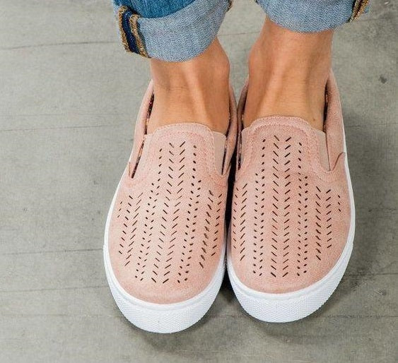 sneakers for people with wide feet