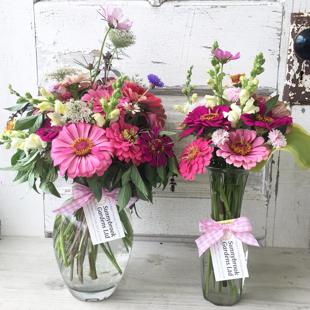 Local friends can now order fresh cut flowers on our website! 🌸🌿
