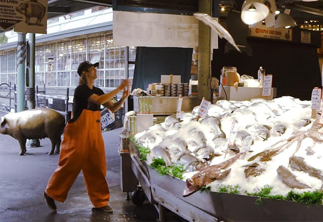 Pike place fish market for Pikes market fish