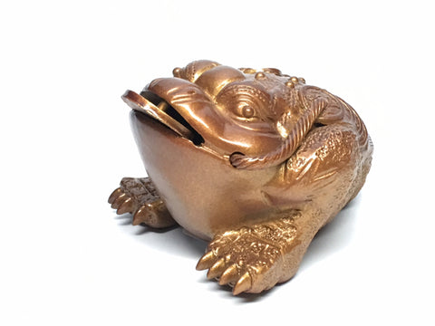 Three-Legged Toad. Tea pet
