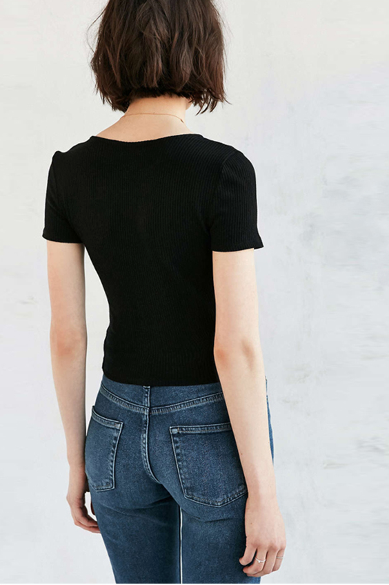 Cropped Tee in Black