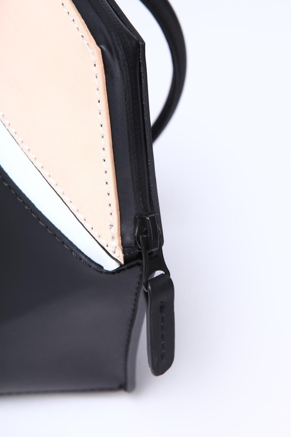 Double-X Spliced Leather Shoulder Bag