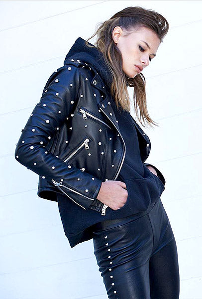 Fashion Tips For Wearing Leather Bomber Jackets