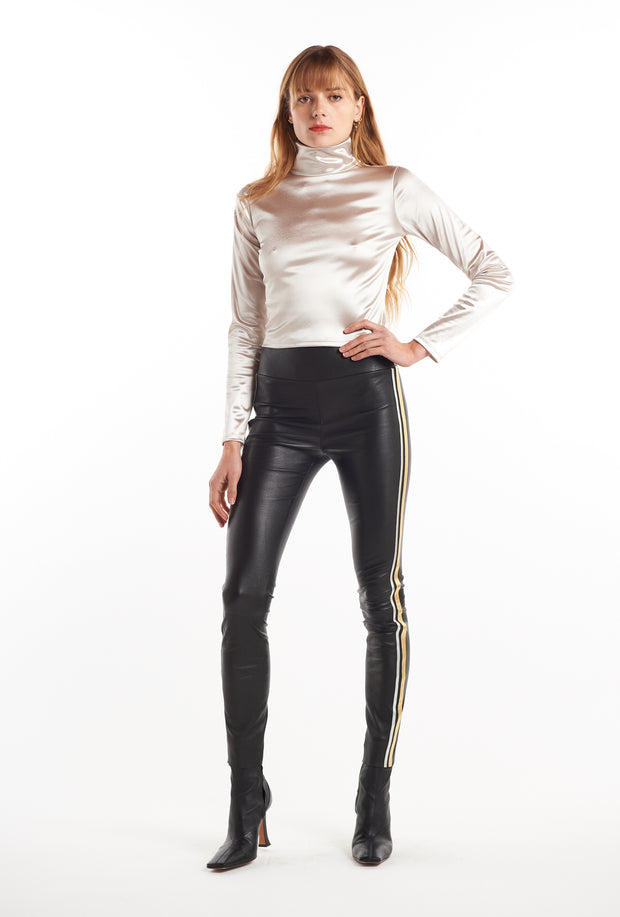 Black/Metallic Combo Athletic Capri Leggings